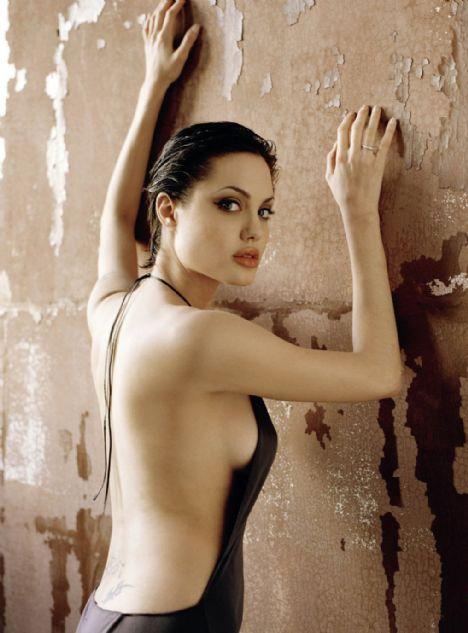 Jolie'nin şok pozları - 22